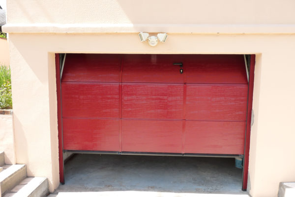 Portes de garage sectionnelles plafond