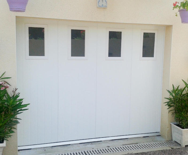 Portes de garage sectionnelles lat rales b 39 plast for Porte de garage b plast