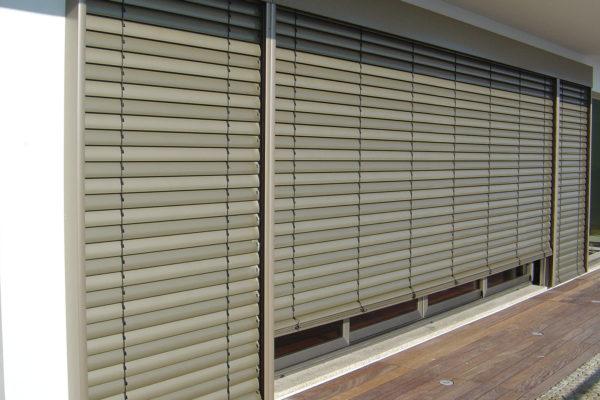 Store Brise Soleil Orientable (B.S.O)